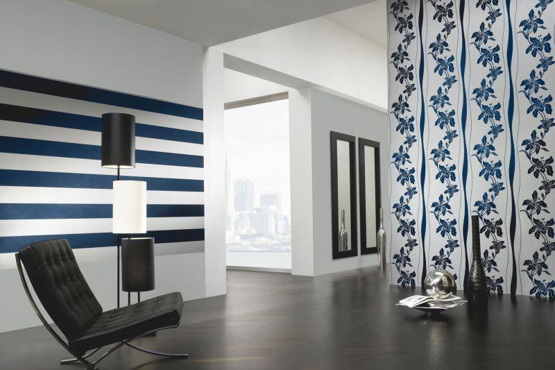 bitte eintreten tapeten f r flur und diele bringt wohnen. Black Bedroom Furniture Sets. Home Design Ideas