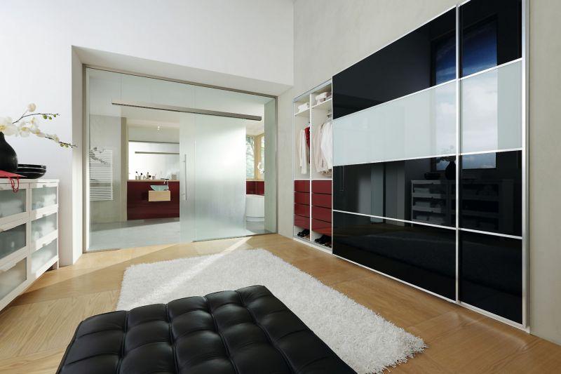 mehr als durchsichtig glas ist ein vielf ltiges gestaltungselement. Black Bedroom Furniture Sets. Home Design Ideas