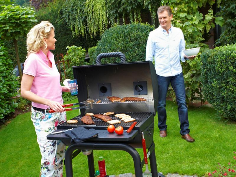 grillen f r anspruchsvolle amerikanisches barbecue im smoker. Black Bedroom Furniture Sets. Home Design Ideas