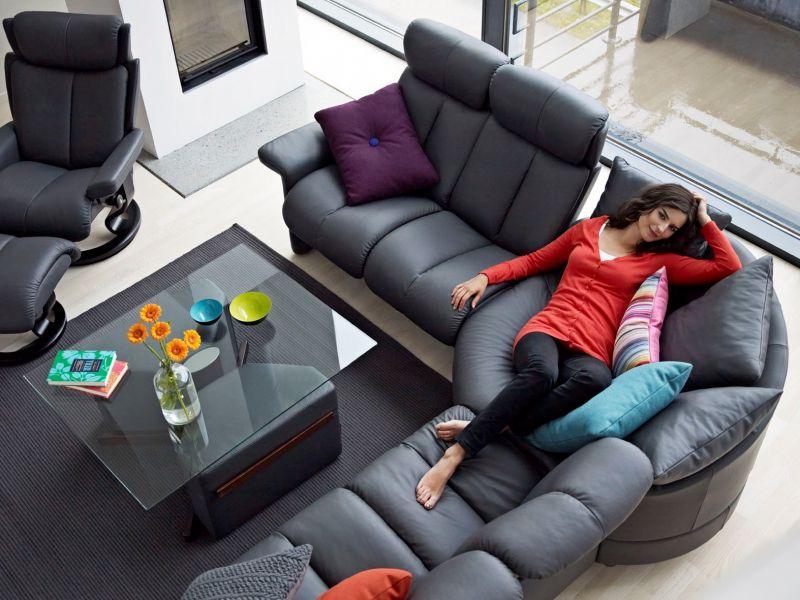 jetzt die wohnung neu einrichten im trend liegen funktionelle m bel und knallige farben. Black Bedroom Furniture Sets. Home Design Ideas