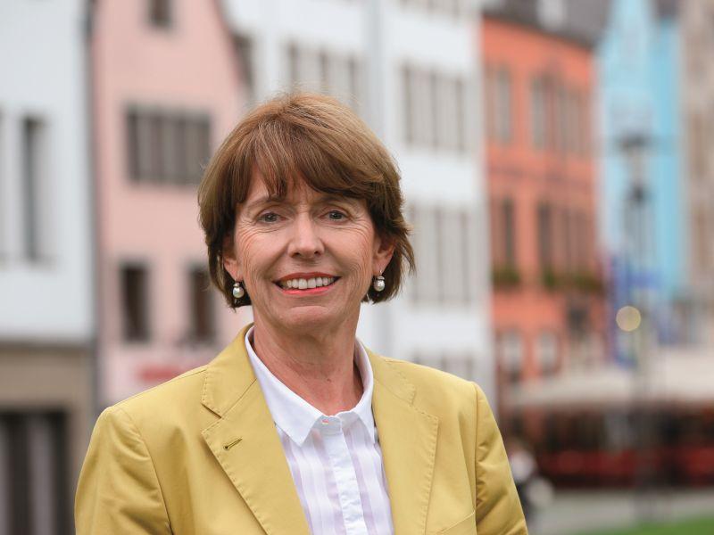 """Kölns Oberbürgermeisterin Henriette Reker: """"Es geht nur mit mehr Sicherheitskräften und mehr technischer  Ausstattung' / copyright: Alex Weis / CityNEWS"""