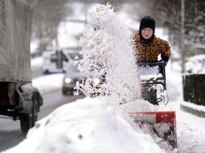 Schnee und Eis in Köln - Anwohner haften für Unfälle - Winterdienst-Pflicht beachten / copyright: Torsten Silz / dapd