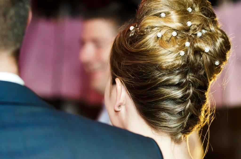 Haare in Feierlaune - Beauty-Tipps für festliche Gelegenheiten - copyright: pixabay.com