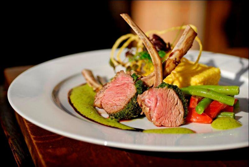 """Restaurant-Tipp: """"Bernstein am Rhein"""" - ein neuer Restaurant-Stern in Porz-Ensen - copyright: PR"""
