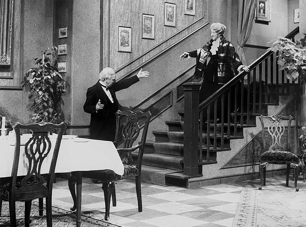 Dinner for One oder Der 90. Geburtstag mit Freddie Frinton und May Warden gehört zur Tradition am Silvesterabend. copyright: NDR / Annemarie Aldag