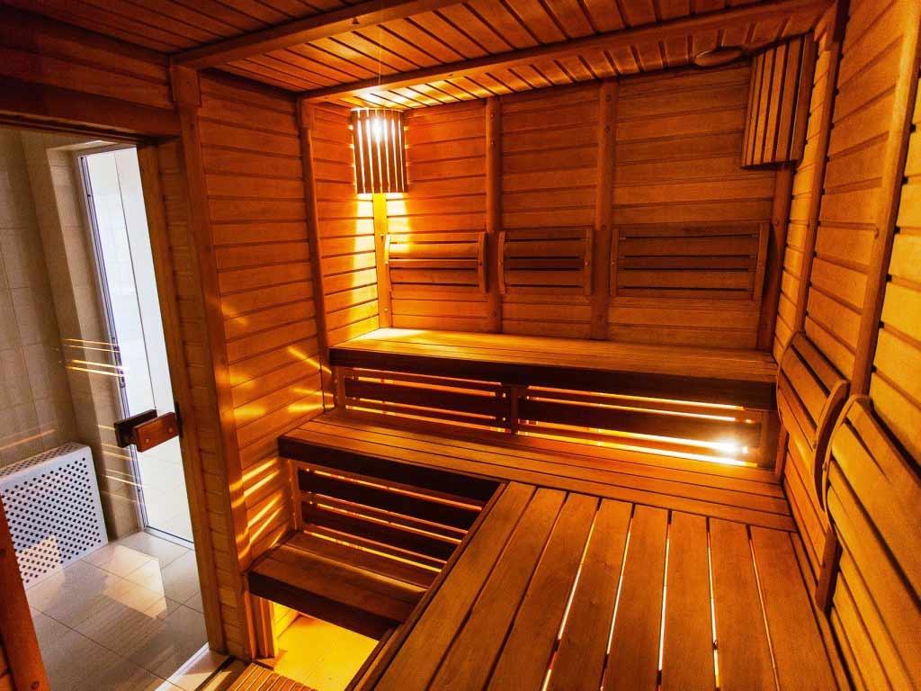 In den ersten drei Monaten einer Schwangerschaft sollte man unbedingt Hitzepause machen und die Sauna meiden! copyright: pixabay.com
