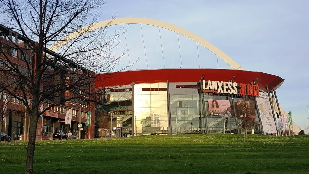 Gäste mit Ziel LANXESS arena müssen längere Fahrtzeiten einplanen. copyright: CityNEWS / Alex Weis
