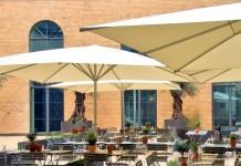 """Eine von Kölns schönsten Außengastronomien: Das Restaurant """"ACHT"""" - copyright: Restaurant 'ACHT'"""
