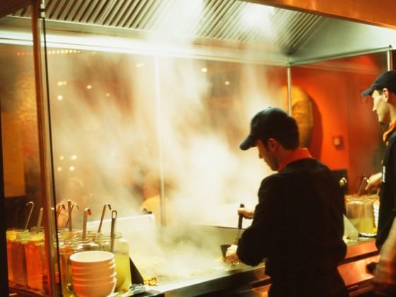 Mehr als 1 Millionen Gäste haben seit der Eröffnung des Kölner Mongo´s im Herbst 2004 die exotischen Köstlichkeiten des mongolischen Barbecues, dem Dreh- und Angelpunkt des Mongo's-Konzeptes, genossen. - copyright: Mongo´s