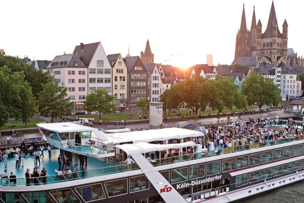 Köln vom Rhein aus betrachten ... copyright: KD Deutsche Rheinschiffahrt AG / KölnTourismus