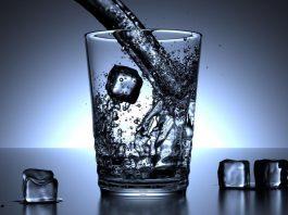Bei der Hitze sollte man unbedingt ausreichend trinken. copyright: pixabay.com