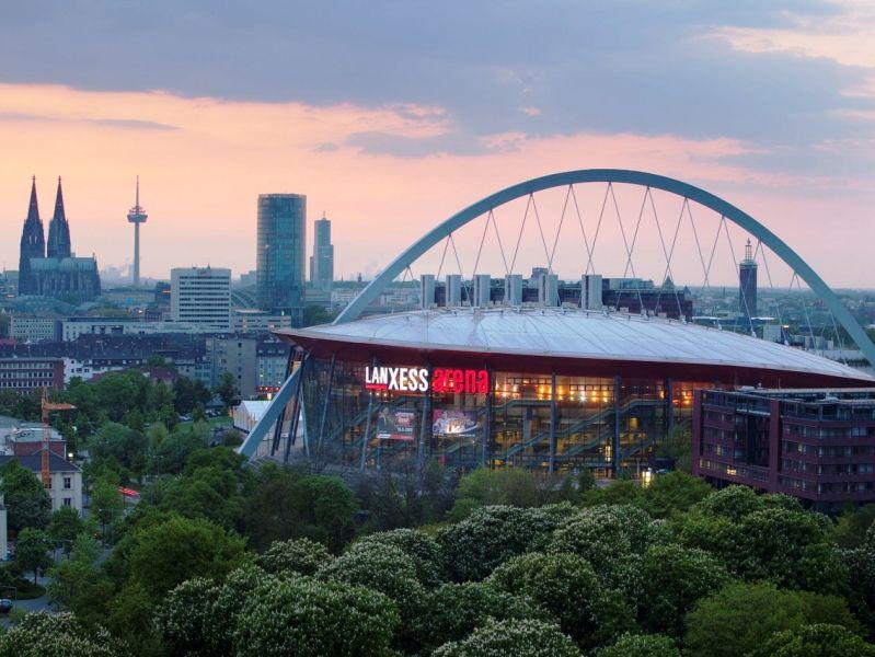 Veranstaltungen wie die Shows von Helene Fischer oder die Eishockey-Weltmeisterschaft 2017 zeigen, in welche Richtung die LANXESS arena strebt. - copyright: LANXESS arena