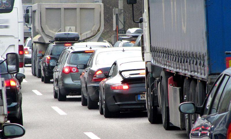 Ab April etliche Diesel-Fahrverbote copyright: Rainer Sturm / pixelio.de