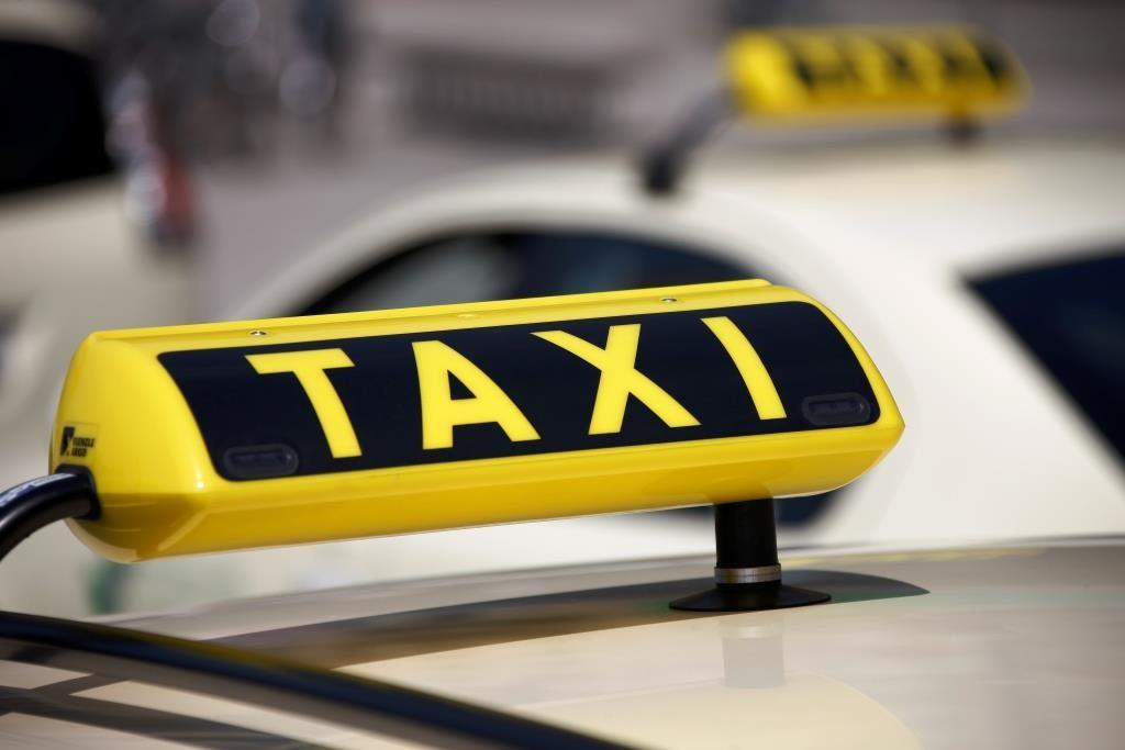 Anreise per Auto und Taxi - copyright: Q.pictures / pixelio.de