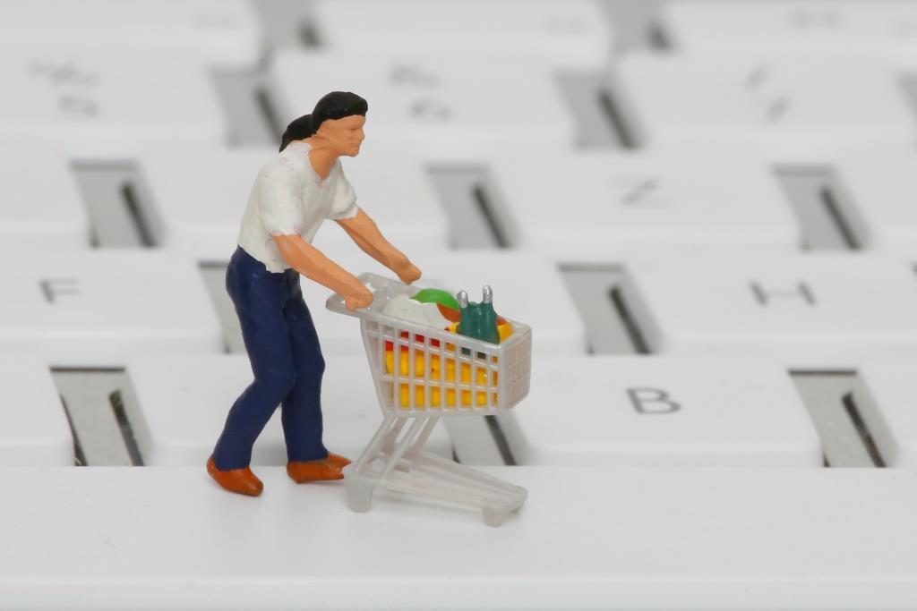 Stichprobe bei 50 großen Onlinehändlern: Nur jeder zweite Shop liefert schnell copyright: Tim Reckmann / pixelio.de