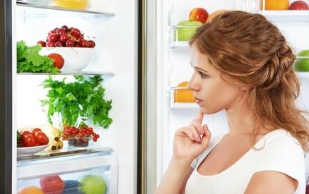 So werden Lebensmittel richtig in den Kühlschrank eingeräumt copyright: JenkoAtaman / Fotolia.com