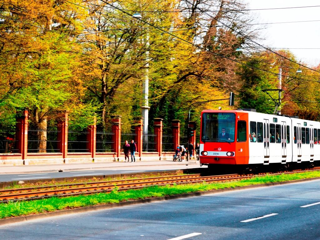 Straßenbahnen zu den Kölner Lichter 2017 - copyright: CityNEWS / Alex Weis
