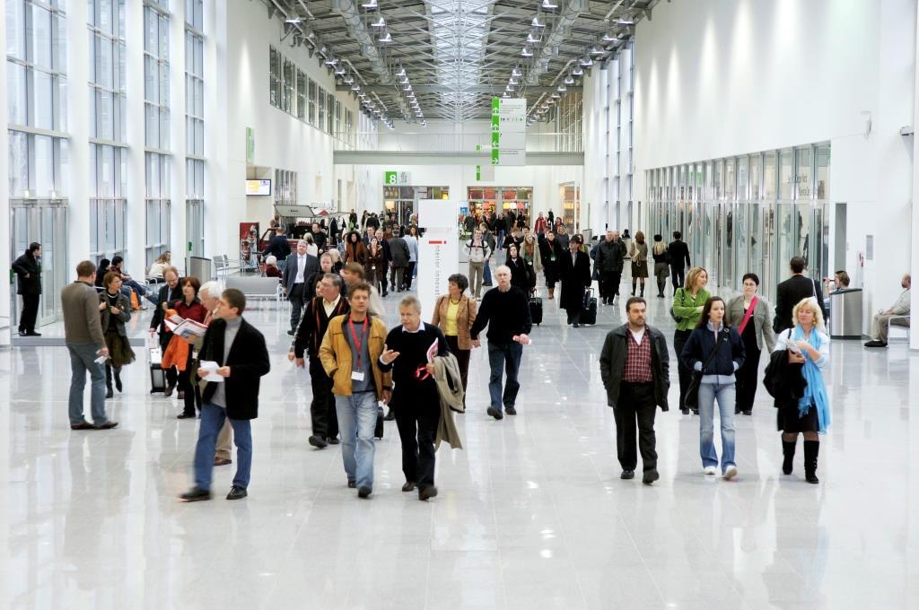 Neben dem erstklassigen Teilnehmerfeld mit 218 internationalen Galerien und Kunsthändlern können sich Sammler und Kunstliebhaber auf spannende Rückblicke auf ein halbes Jahrhundert Kunst(markt) freuen. copyright: Koelnmesse
