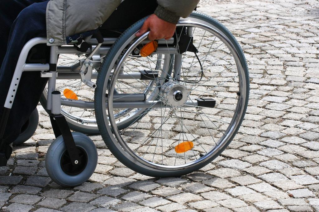 Brutaler Überfall auf Rollstuhlfahrer in Köln Mülheim - Zeugen dringend gesucht copyright: Albrecht E. Arnold / pixelio.de