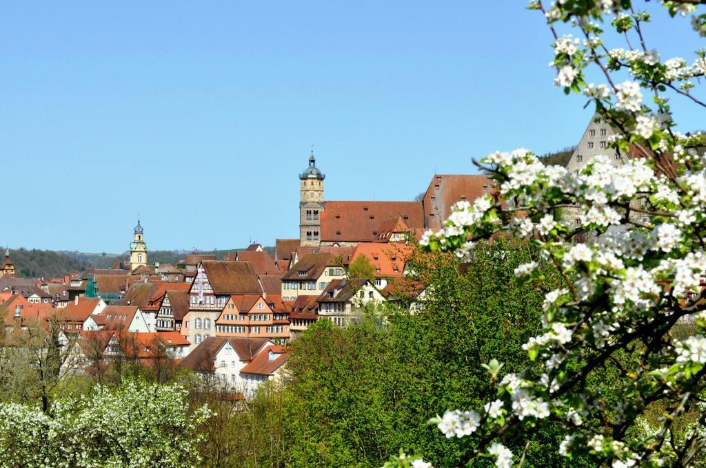 Die Schwaben zeichnet jedoch auch ihre hohe Zugehörigkeit zu ihrer Gemeinde oder Stadt aus. copyright: LouPe / pixelio.de