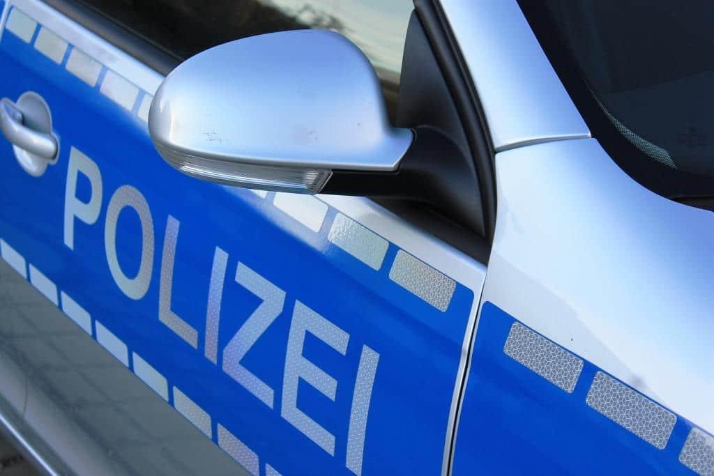 Vorsicht Trickbetrüger - Falsche Polizisten wieder auf Beutetour in Köln copyright: Uwe Schlick  / pixelio.de
