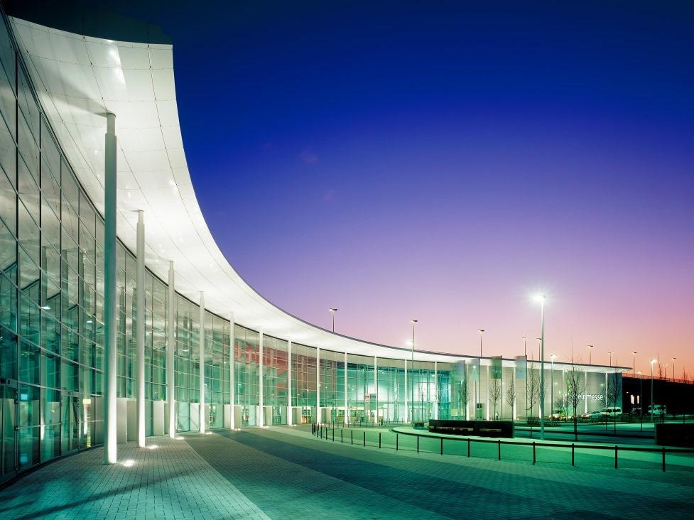 Vom 14. bis 17. April 2016 präsentieren hier insgesamt 219 Galerien aus 25 Ländern Kunstobjekte der Extraklasse. copyright: Koelnmesse