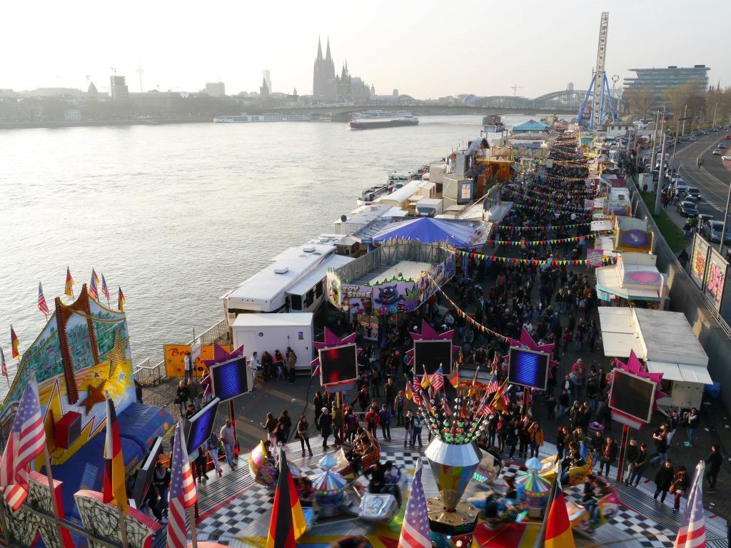 Kölner Frühlingsvolksfest: Kirmes-Spaß pur am Rheinufer copyright: Gemeinschaft Kölner Schausteller (GKS) e.G.