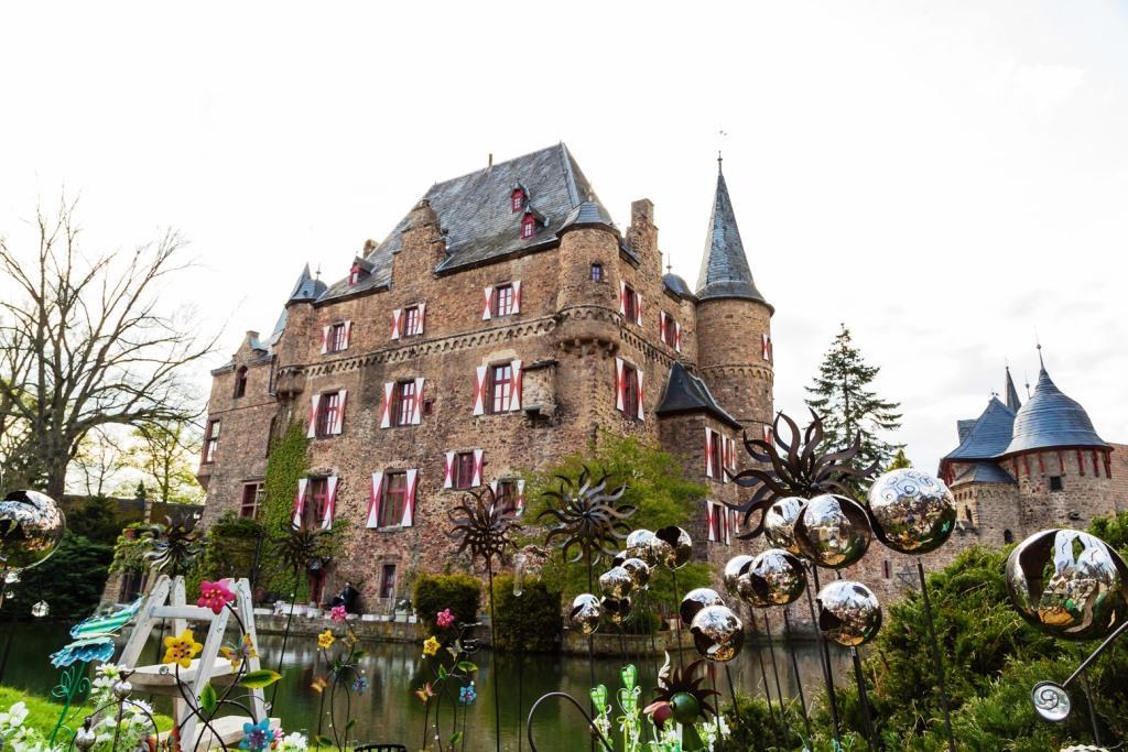 Ostermarkt für die ganze Familie auf Burg Satzvey copyright: Der Fotoschmied/Mike Göhre