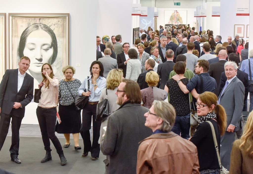 Deutliches Besucherwachstum, positive Stimmung und gute Verkäufe prägten die 50. ART COLOGNE 2016