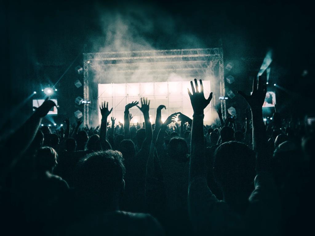 Open Air, gute Stimmung und Abfeiern zu bester Musik copyright: pixabay.com