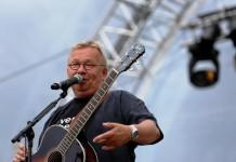"""Bernd Stelter mit Kaubuff-Orchester - """"Wer Lieder singt, braucht keinen Therapeuten"""" Tour 2018 - copyright: Alex Weis / CityNEWS"""