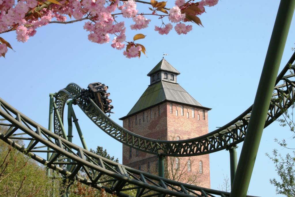 """Spaß und Nervenkitzel an der Ostsee:Der """"Hansa-Park"""" bei Lübeck ist Deutschlands einziger Freizeitpark am Meer Foto: HANSA-PARK Freizeit- und Familienpark"""