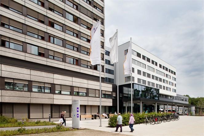 Das Krankenhaus Merheim ist nicht direkt betroffen von einer möglichen Evakuierung. copyright: Kliniken der Stadt Köln gGmbH
