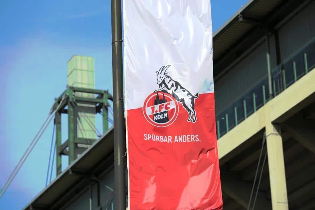 Randalierende Fans beim Fußball-Derby zwischen 1. FC Köln und Bayer Leverkusen copyright: Alex Weis / CityNEWS