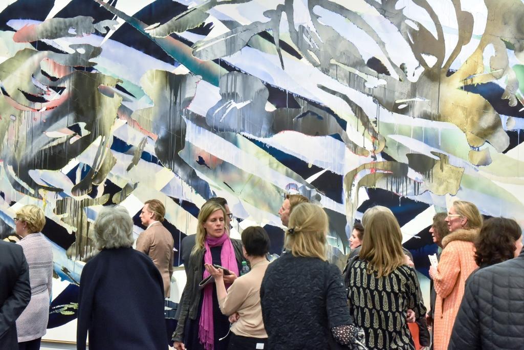 Das diesjährige Teilnehmerfeld mit 218 Galerien aus 24 Ländern, darunter hochkarätige Rückkehrer und Neuaussteller aus dem In- und Ausland bot den Besuchern ein erstklassiges Kunstangebot aus Klassischer Moderne, Nachkriegskunst, etablierter zeitgenössischer Kunst sowie brandneuen zeitgenössischen Positionen. copyright: Koelnmesse