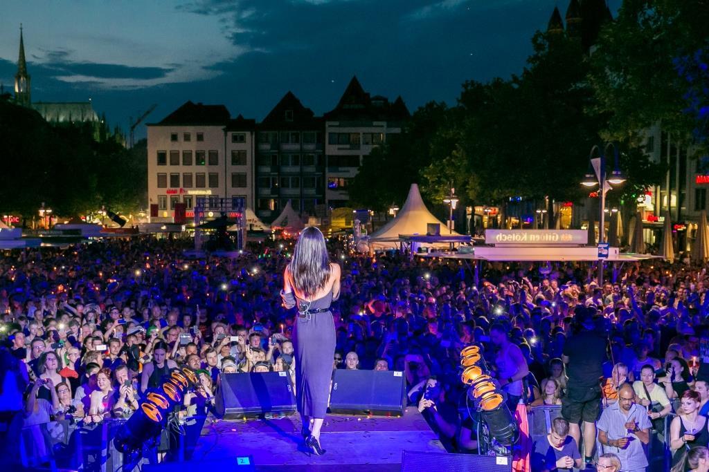 Zum ColognePride 2018 wird ein großes Bühnenprogramm wird in der Kölner Altstadt präsentiert. copyright: ColognePride