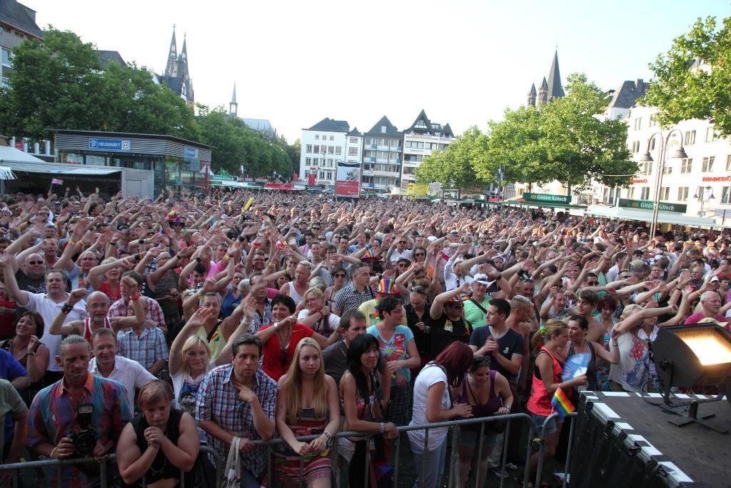 Ob es solch ein CSD-Straßenfest wie es in den vergangenen Jahren gebt wird ist noch unsicher. - copyright: ColognePride / Viktor Vahlefeld & Volker Glasow