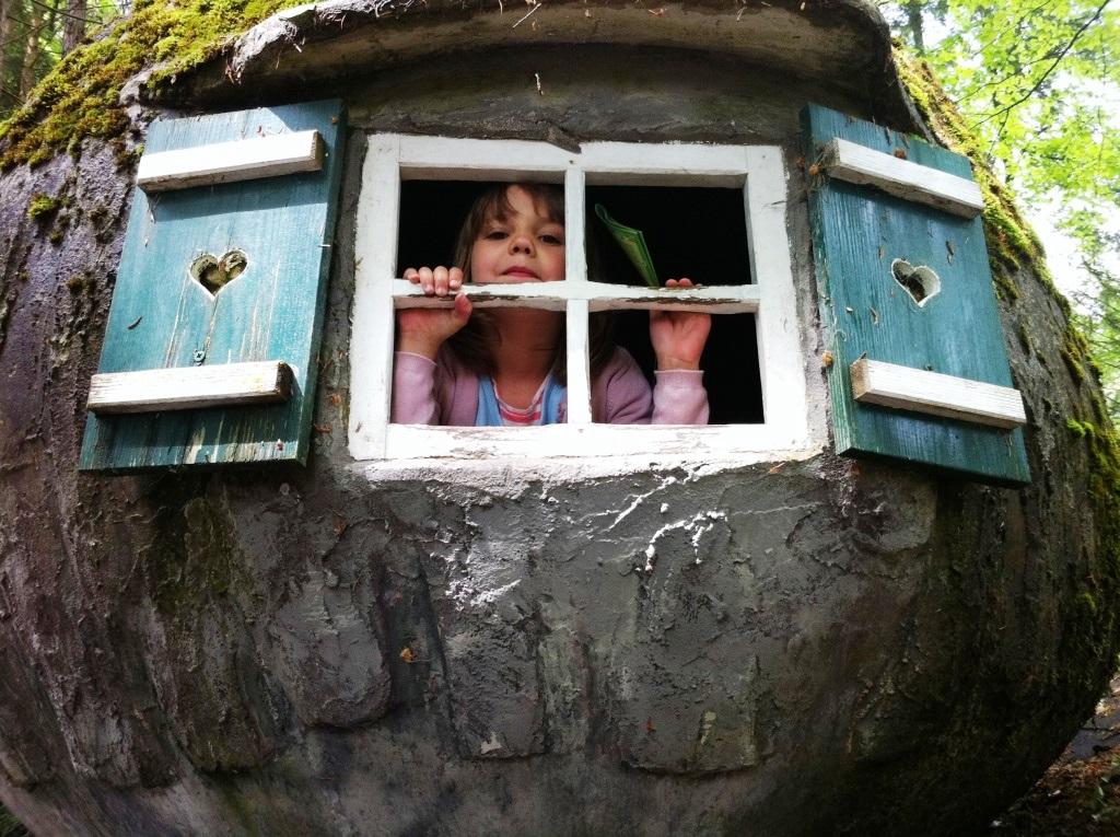 Ein Baumhaus im eigenen Garten: Wohl kaum ein Kind, das nicht davon träumt. copyright: pixabay.com