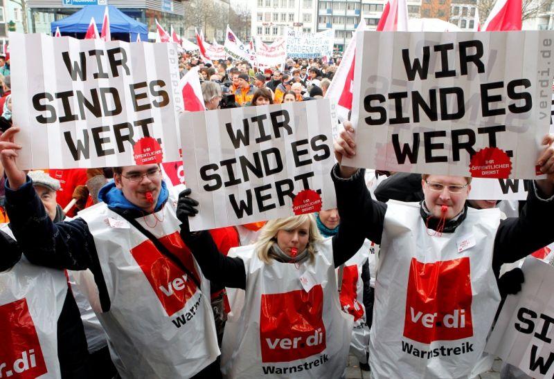 Erneut Streik in Köln: Am Dienstag stehen Bahnen und Co. still - Hier alle Infos zum Warnstreik! copyright: Roberto Pfeil / dapd