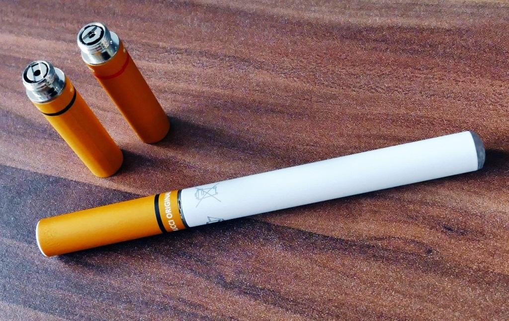 Hat Rauchen aufgegeben es wird der Kopf die Schwäche gedreht
