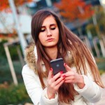 ARAG Experten zur Unsitte, mit Smartphone vor der Nase den Verkehr zu gefährden. copyright: pixabay.com