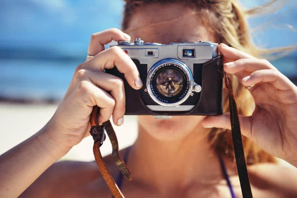 Sonnenschein bereitet oft mehr Probleme, als er dem Fotografen nützt. copyright: pixabay.com