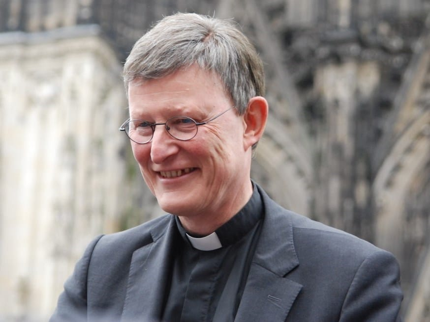 """Erzbischof Kardinal Woelki begrüte die Karnevalisten im Kölner Dom mit """"Leev Festelovends-Fründe"""". copyright: bilder-erzbistum-koeln.de"""