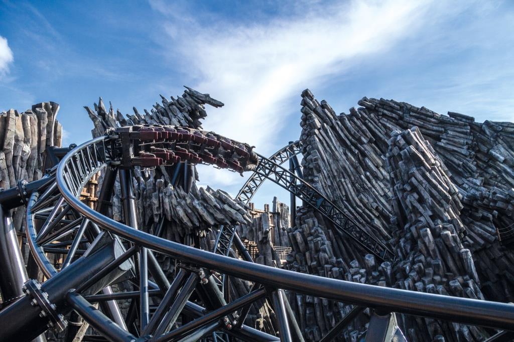 Sage und schreibe sechs Weltrekorde hat das Phantasialand mit dem Bau seiner beiden neuen Bahnen aufgestellt! copyright: Phantasialand / Robert Fuelling