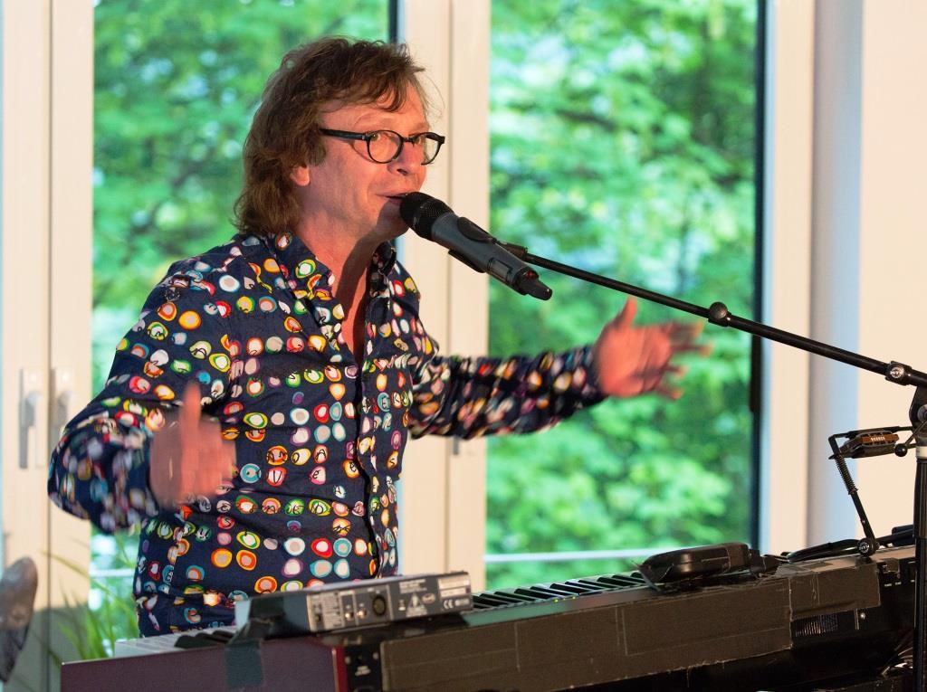 Popstar Purple Schulz zeigte Anteilnahme copyright: Pütz-Roth
