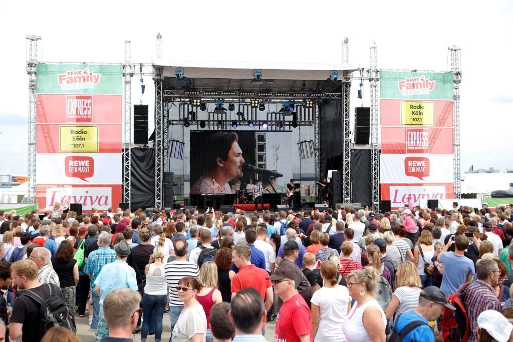 Rund 38.000 Besucher bei REWE Family auf dem Flughafen Köln-Bonn copyright: REWE