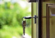 Der Mann vom Schlüsseldienst ist, wenn man sich versehntlich ausgeschlossen hat, der Helfer in letzter Not. copyright: pixabay.com