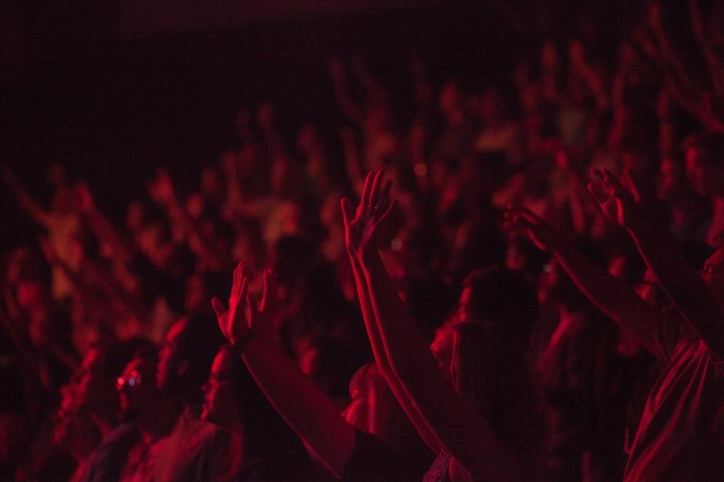 Kölner Fans von Placebo freuen sich auf den 2. November 2016, wenn die Band in die LANXESS arena einlädt. copyright: pixabay.com