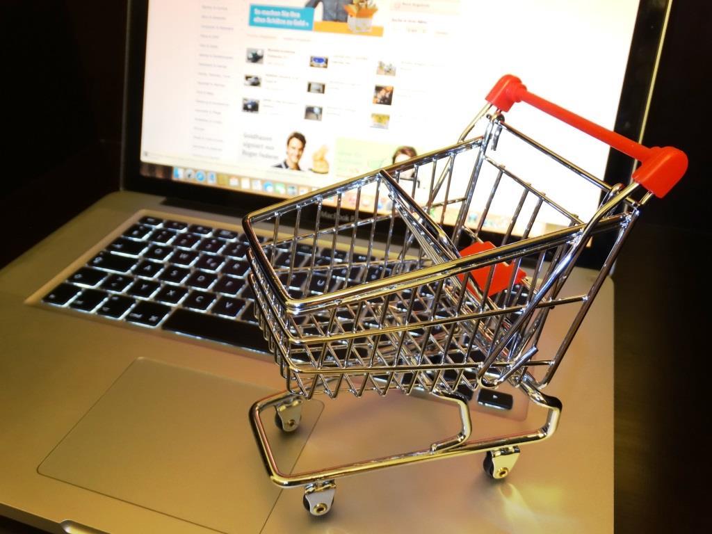 Designerkleidung online kaufen – schnell, günstig und in ganzer Vielfalt copyright: pixabay.com