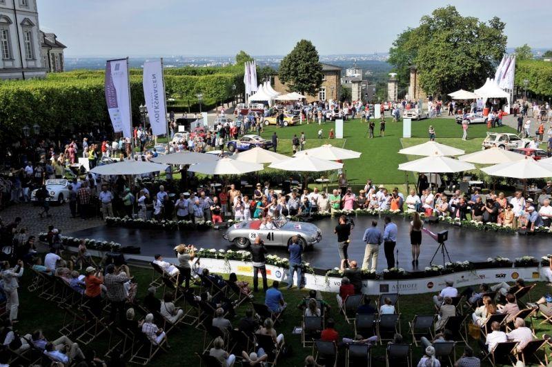 Ein Erlebnis auch für die zahlreichen Besucher. copyright: Volkswagen AG / Schloss Bensberg Classics
